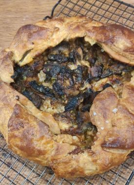pumpkind and mushroom savoury pie